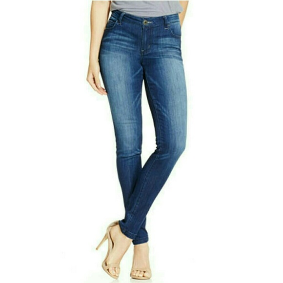 22b59f64399 🆕NWT Juniors Dawson infinite Stretch Skinny Jeans. NWT. Celebrity Pink